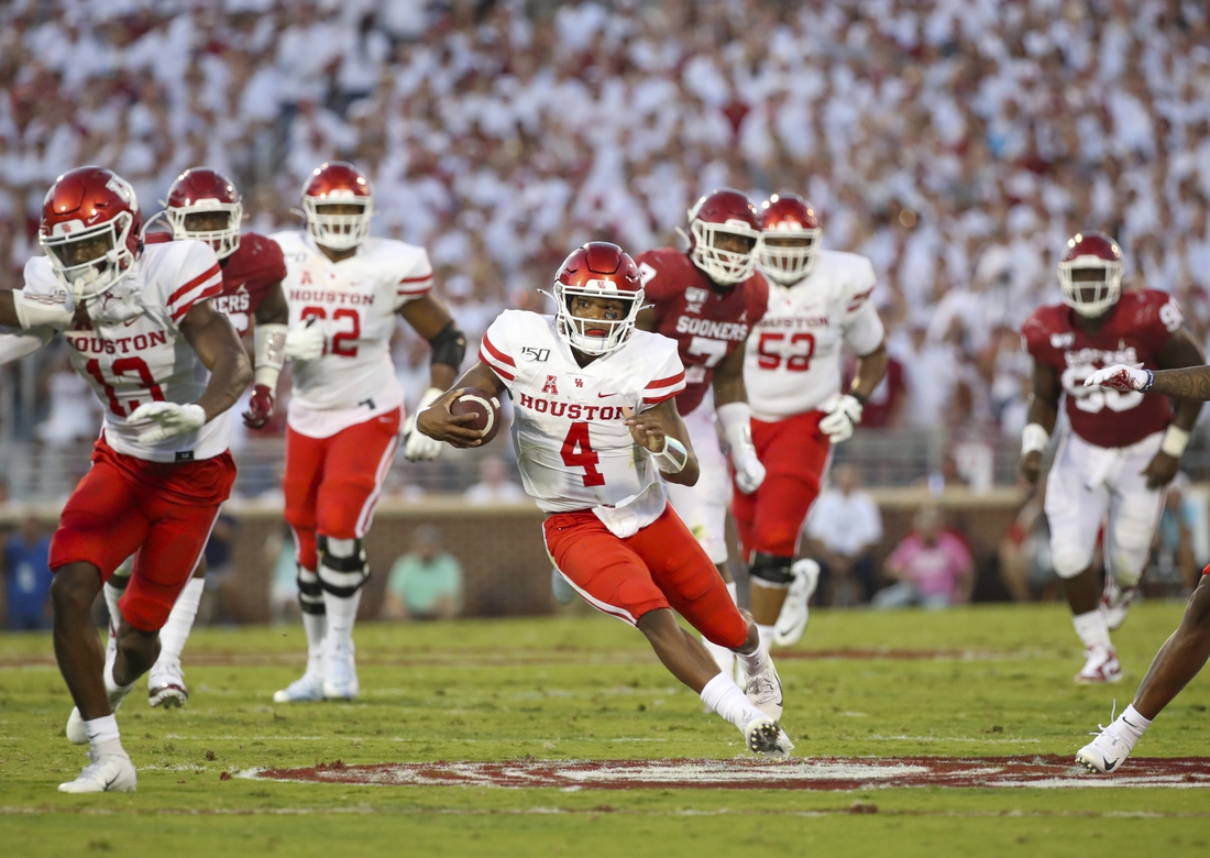 Sep 1, 2019; Norman, OK, USA; Houston Cougars quarterback D'Eriq King (4) in action during the game against the Oklahoma Sooners at Gaylord Family - Oklahoma Memorial Stadium. Mandatory Credit: Kevin Jairaj-USA TODAY Sports