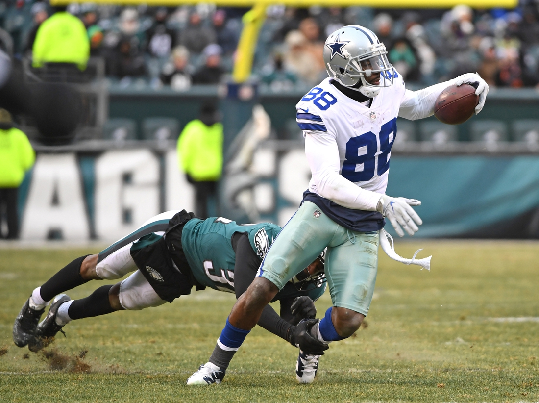 Dec 31, 2017; Philadelphia, PA, USA; Dallas Cowboys wide receiver Dez Bryant (88) moves past Philadelphia Eagles cornerback Rasul Douglas (32) during the fourth quarter at Lincoln Financial Field. Mandatory Credit: Eric Hartline-USA TODAY Sports