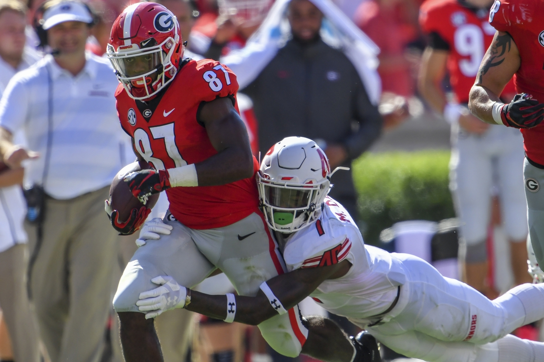 Sep 1, 2018; Athens, GA, USA; Georgia Bulldogs wide receiver Tyler Simmons (87) runs against Austin Peay Governors defensive back Malik Davis (1) during the first half at Sanford Stadium. Mandatory Credit: Dale Zanine-USA TODAY Sports