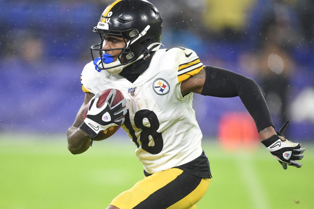 Dec 29, 2019; Baltimore, Maryland, USA;  Pittsburgh Steelers wide receiver Diontae Johnson (18) runs with the ball in third quarter against the Baltimore Ravens at M&T Bank Stadium. Mandatory Credit: Mitchell Layton-USA TODAY Sports