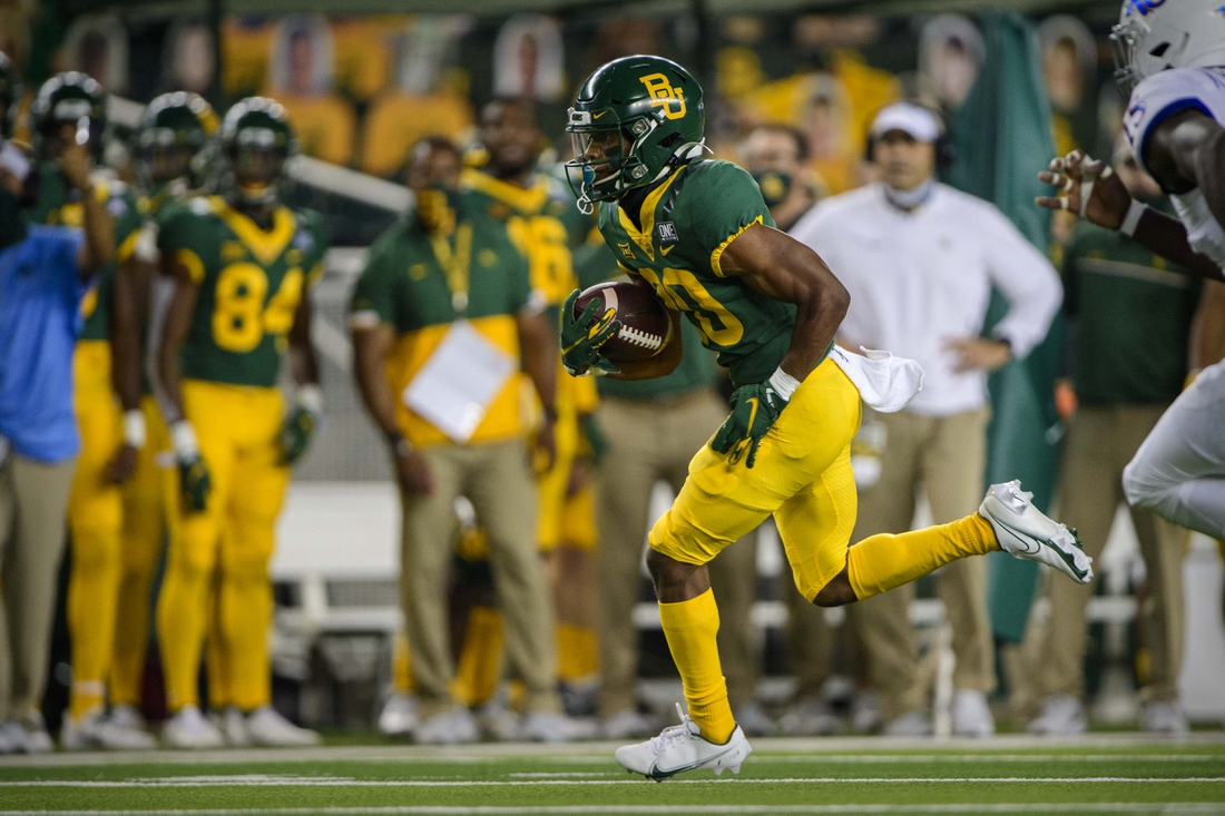 Sep 26, 2020; Waco, Texas, USA; Baylor Bears running back Craig Williams (20) in action during the game between the Bears and the Jayhawks at McLane Stadium. Mandatory Credit: Jerome Miron-USA TODAY Sports