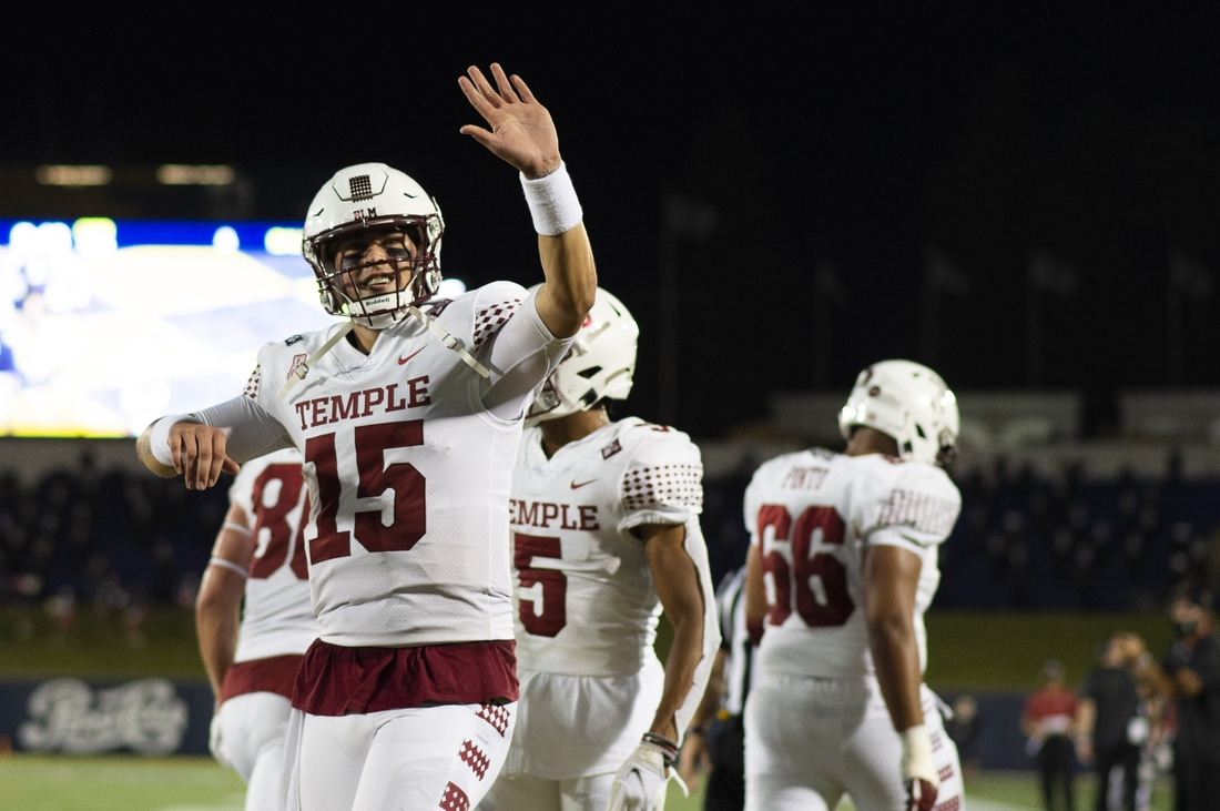 Oct 10, 2020; Annapolis, Maryland, USA;  Temple Owls quarterback Anthony Russo (15) waves to the crowd after throwing a second half touchdown against the Navy Midshipmen at Navy-Marine Corps Memorial Stadium. Mandatory Credit: Tommy Gilligan-USA TODAY Sports