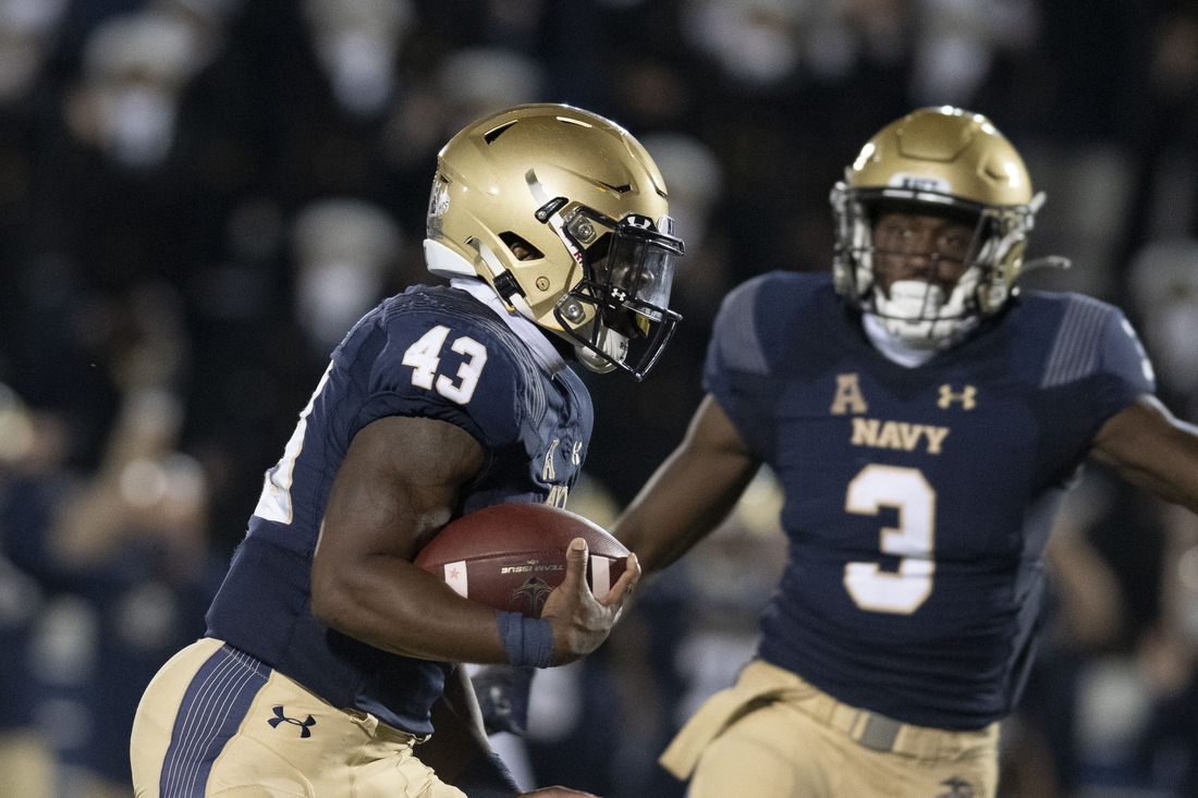 Oct 10, 2020; Annapolis, Maryland, USA;  Navy Midshipmen fullback Nelson Smith (43) runs for a second half touchdown against the Temple Owls at Navy-Marine Corps Memorial Stadium. Mandatory Credit: Tommy Gilligan-USA TODAY Sports