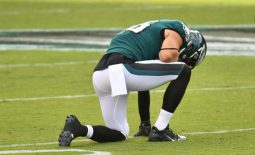 Oct 18, 2020; Philadelphia, Pennsylvania, USA; Philadelphia Eagles tight end Zach Ertz (86) reacts on the field after suffering an apparent injury against the Baltimore Ravens during the fourth quarter at Lincoln Financial Field. Mandatory Credit: Eric Hartline-USA TODAY Sports