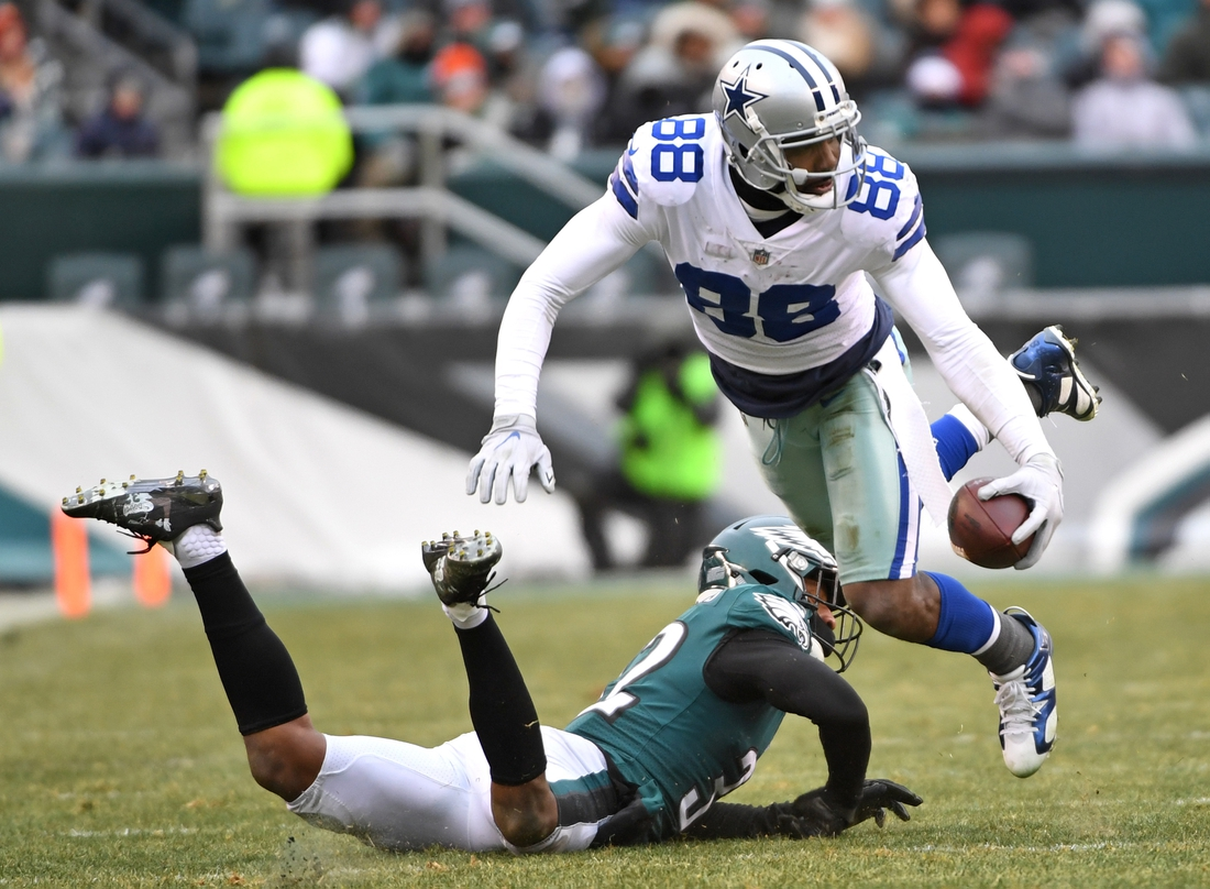 Dec 31, 2017; Philadelphia, PA, USA; Dallas Cowboys wide receiver Dez Bryant (88) moves past Philadelphia Eagles cornerback Rasul Douglas (32) during the second half at Lincoln Financial Field. Mandatory Credit: Eric Hartline-USA TODAY Sports