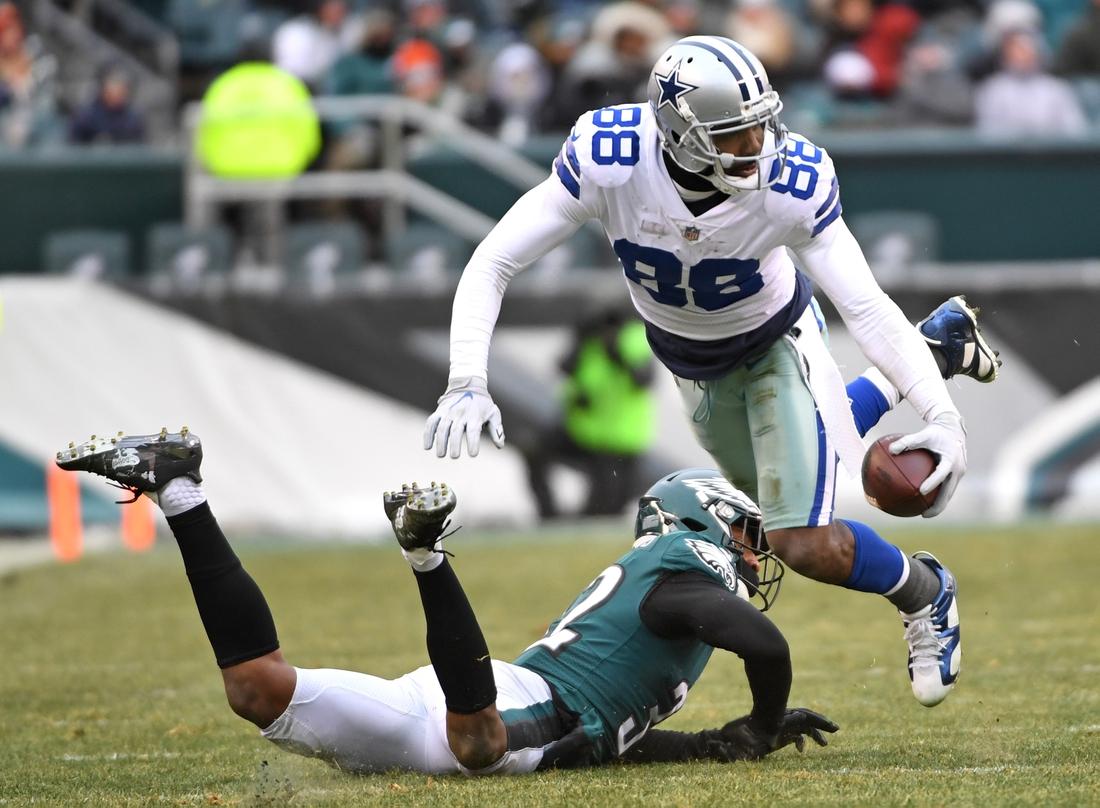 Dec 31, 2017; Philadelphia, PA, USA; Dallas Cowboys wide receiver Dez Bryant (88) moves past Philadelphia Eagles cornerback Rasul Douglas (32) during the second half at Lincoln Financial Field. Mandatory Credit: Eric Hartline-USA TODAY Sports