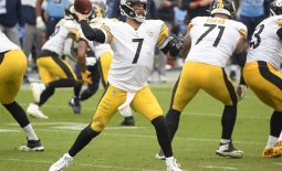 Oct 25, 2020; Nashville, Tennessee, USA;  Pittsburgh Steelers quarterback Ben Roethlisberger (7) throws a pass against the Tennessee Titans during the second half at Nissan Stadium. Mandatory Credit: Steve Roberts-USA TODAY Sports