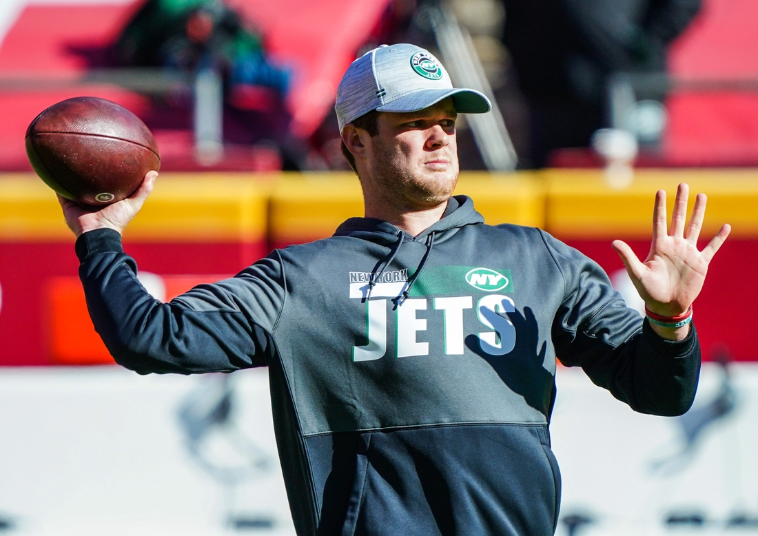 Nov 1, 2020; Kansas City, Missouri, USA; New York Jets quarterback Sam Darnold (14) warms up before a game against the Kansas City Chiefs at Arrowhead Stadium. Mandatory Credit: Jay Biggerstaff-USA TODAY Sports