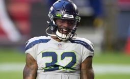 Oct 25, 2020; Glendale, Arizona, USA; Seattle Seahawks running back Chris Carson (32) prior to the game against the Arizona Cardinals at State Farm Stadium. Mandatory Credit: Billy Hardiman-USA TODAY Sports
