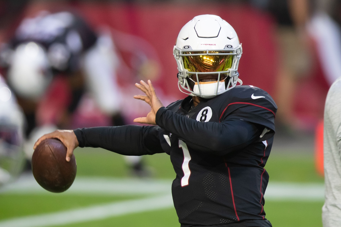 Oct 25, 2020; Glendale, Arizona, USA; Arizona Cardinals quarterback Kyler Murray (1) prior to the game against the Seattle Seahawks at State Farm Stadium. Mandatory Credit: Billy Hardiman-USA TODAY Sports