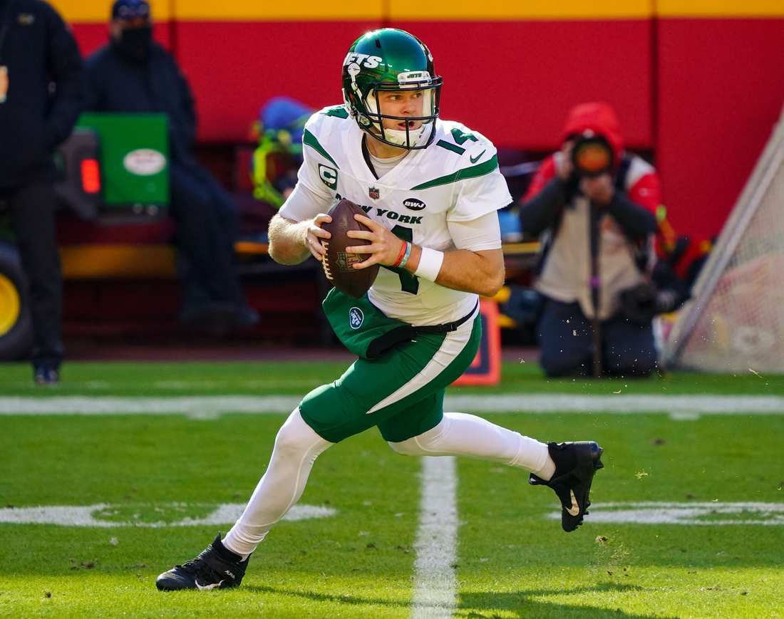 Nov 1, 2020; Kansas City, Missouri, USA; New York Jets quarterback Sam Darnold  (14) against the Kansas City Chiefs during the second half at Arrowhead Stadium. Mandatory Credit: Jay Biggerstaff-USA TODAY Sports