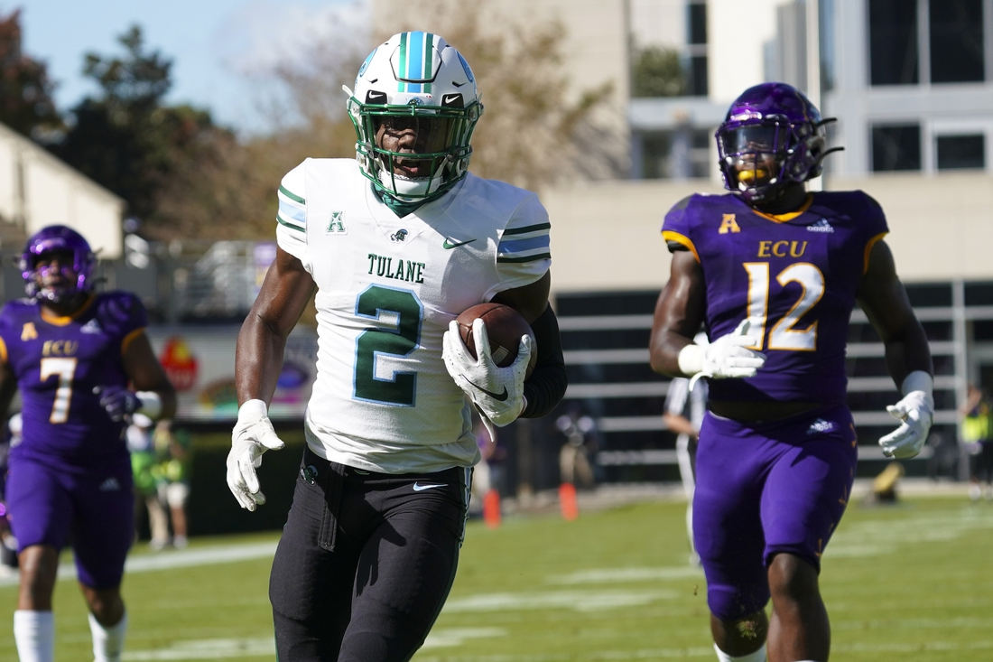 Nov 7, 2020; Greenville, North Carolina, USA; Tulane Green Wave wide receiver Duece Watts (2) makes a first half touchdown catch against the East Carolina Pirates at Dowdy-Ficklen Stadium. Mandatory Credit: James Guillory-USA TODAY Sports