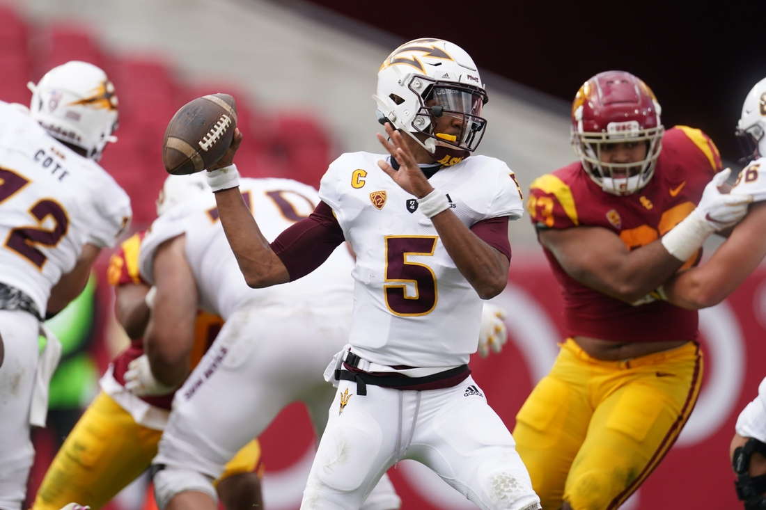 Nov 7, 2020; Los Angeles CA, USA; Arizona State Sun Devils quarterback Jayden Daniels (5) throws the ball in the second quarter against the Southern California Trojans at the Los Angeles Memorial Coliseum. Mandatory Credit: Kirby Lee-USA TODAY Sports
