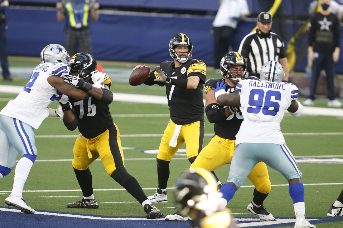 Nov 8, 2020; Arlington, Texas, USA; Pittsburgh Steelers quarterback Ben Roethlisberger (7) throws a pass against the Dallas Cowboys in the second quarter at AT&T Stadium. Mandatory Credit: Tim Heitman-USA TODAY Sports
