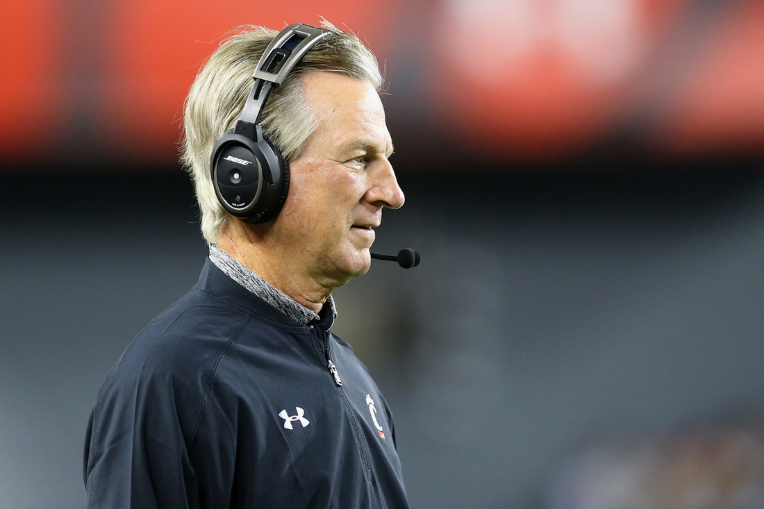 Nov 18, 2016; Cincinnati, OH, USA; Cincinnati Bearcats head coach Tommy Tuberville looks on from the sidelines against the Memphis Tigers in the first half at Nippert Stadium. Memphis won 34-7. Mandatory Credit: Aaron Doster-USA TODAY Sports