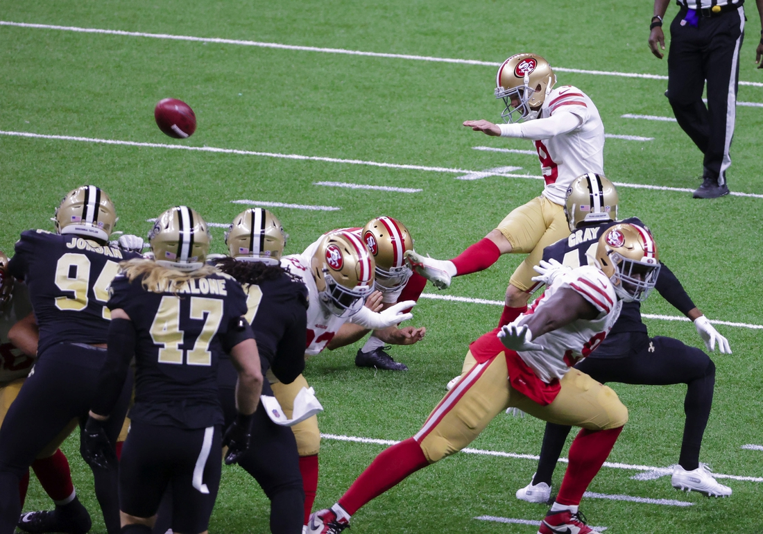Nov 15, 2020; New Orleans, Louisiana, USA; San Francisco 49ers place kicker Robbie Gould (9) kicks a field during the second quarter against the New Orleans Saints at the Mercedes-Benz Superdome. Mandatory Credit: Derick E. Hingle-USA TODAY Sports
