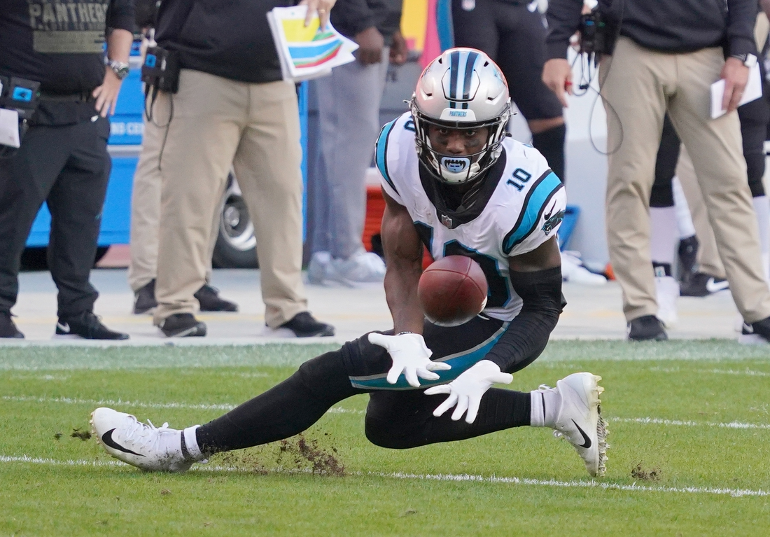 Nov 8, 2020; Kansas City, Missouri, USA; Carolina Panthers wide receiver Curtis Samuel (10) catches a pass during the game against the Kansas City Chiefs at Arrowhead Stadium. Mandatory Credit: Denny Medley-USA TODAY Sports
