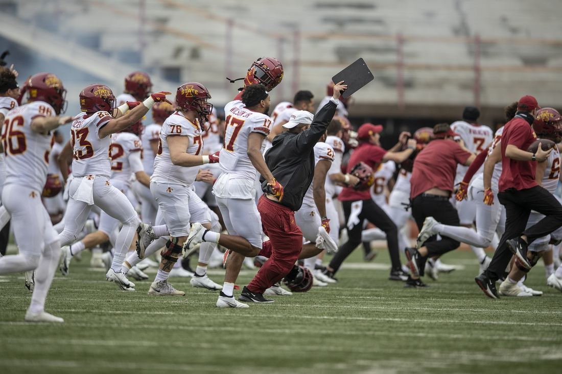 Nov 27, 2020; Austin, TX, USA; Iowa State Cyclones celebrate after Texas Longhorns place kicker Cameron Dicker (17) misses a field goal in the fourth quarter against  Iowa State Cyclones during NCAA college football game at Darrell K Royal-Texas Memorial Stadium.  Mandatory Credit: Ricardo B. Brazziell-USA TODAY NETWORK