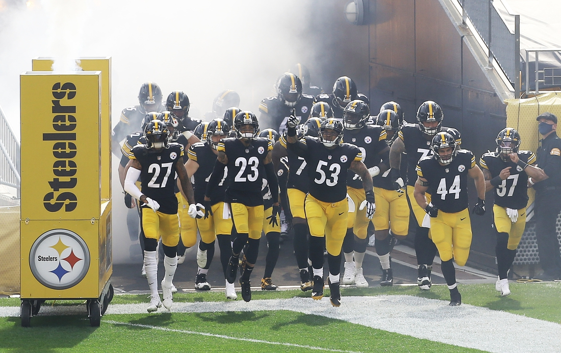 Oct 18, 2020; Pittsburgh, Pennsylvania, USA;  The Pittsburgh Steelers take the field to play the Cleveland Browns during the first quarter at Heinz Field. Pittsburgh won 38-7. Mandatory Credit: Charles LeClaire-USA TODAY Sports