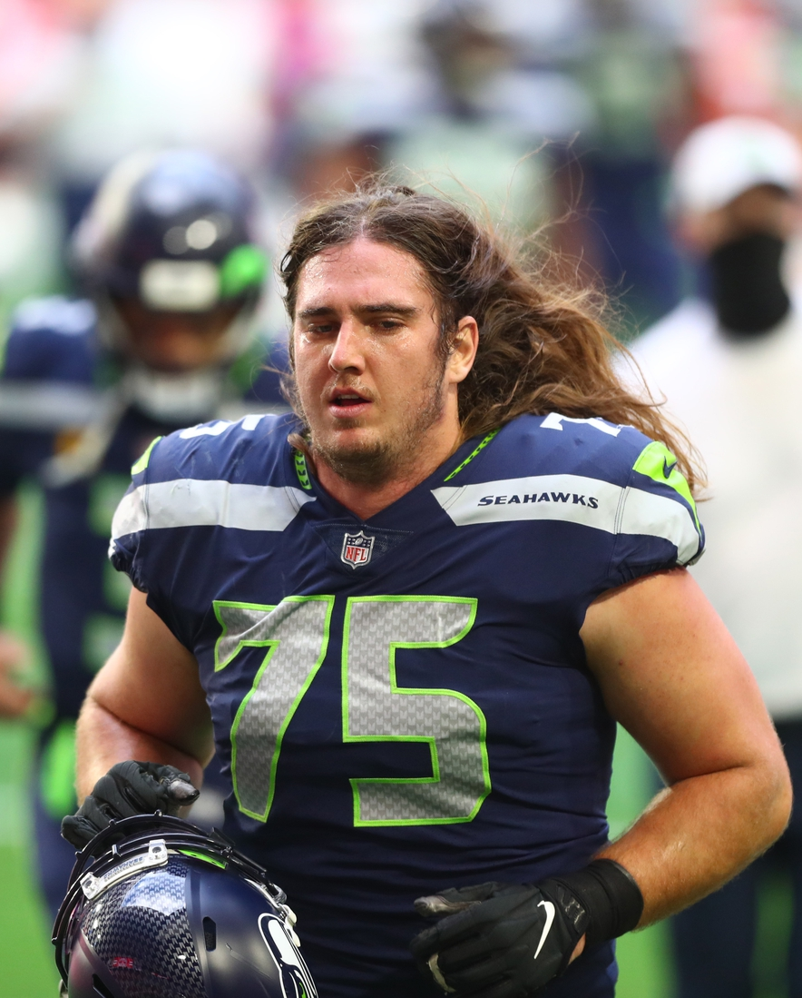 Jan 3, 2021; Glendale, Arizona, USA; Seattle Seahawks offensive tackle Chad Wheeler (75) against the San Francisco 49ers at State Farm Stadium. Mandatory Credit: Mark J. Rebilas-USA TODAY Sports