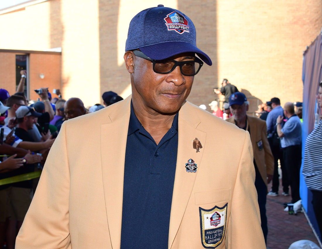 Aug 4, 2018; Canton, OH, USA; Pittsburgh Steelers former receiver Lynn Swann arrives during the Pro Football Hall of Fame Enshrinement Ceremony at Tom Bensen Stadium. Mandatory Credit: Kirby Lee-USA TODAY Sports