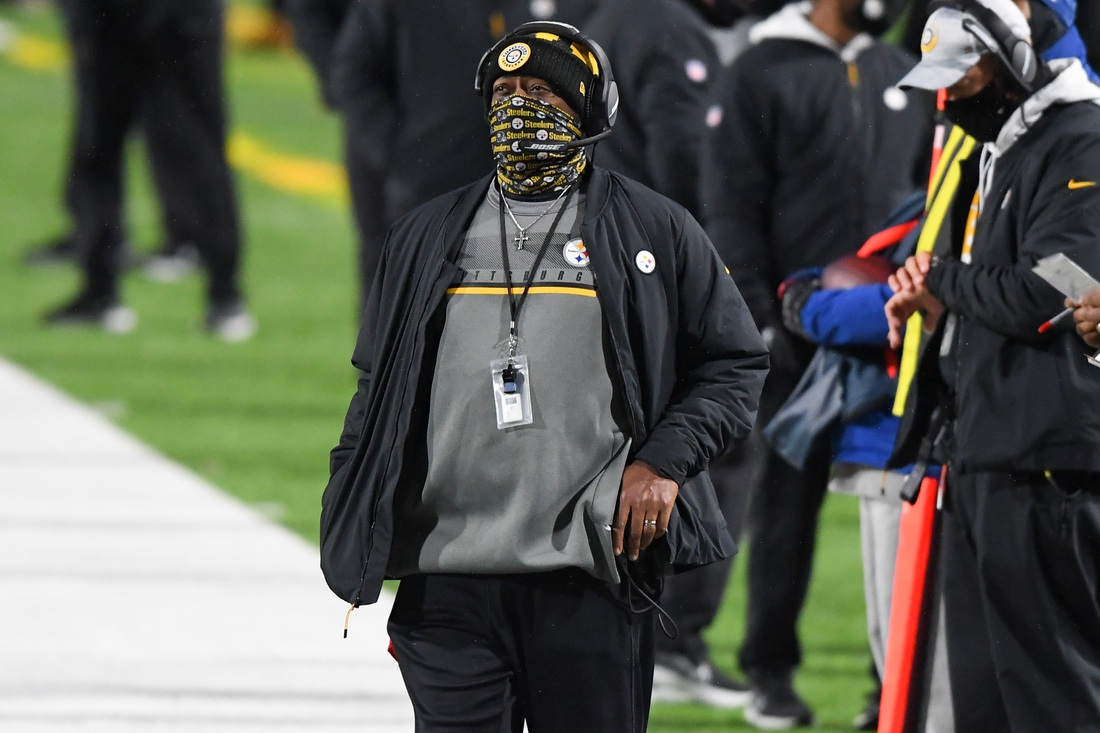 Dec 13, 2020; Orchard Park, New York, USA; Pittsburgh Steelers head coach Mike Tomlin looks on against the Buffalo Bills during the third quarter at Bills Stadium. Mandatory Credit: Rich Barnes-USA TODAY Sports