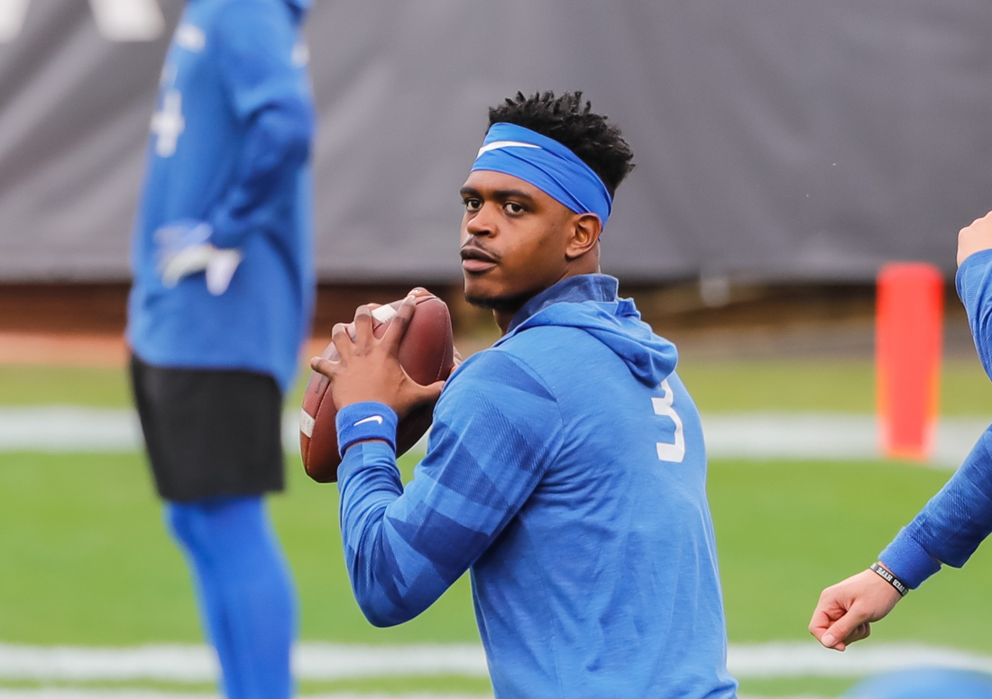 Jan 2, 2021; Jacksonville, FL, USA; Kentucky Wildcats quarterback Terry Wilson (3) warms up before a game against the North Carolina State Wolfpack at TIAA Bank Field. Mandatory Credit: Mike Watters-USA TODAY Sports