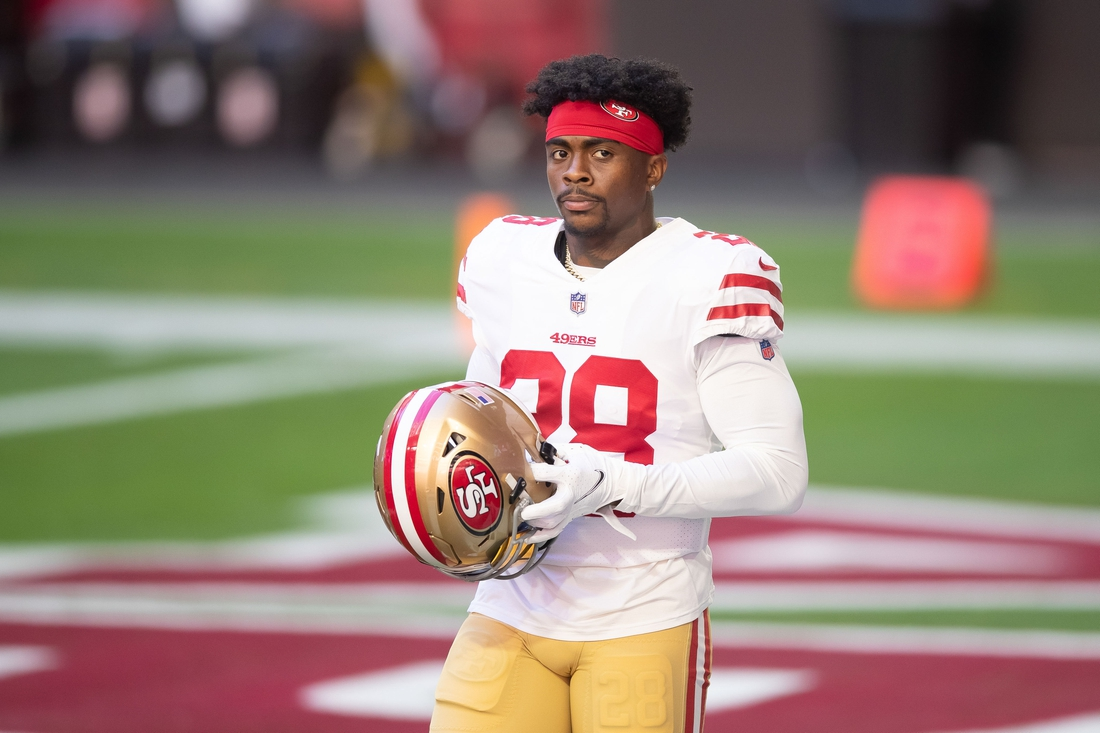 Dec 26, 2020; Glendale, Arizona, USA; San Francisco 49ers running back Jerick McKinnon (28) prior to the game against the Arizona Cardinals at State Farm Stadium. Mandatory Credit: Billy Hardiman-USA TODAY Sports