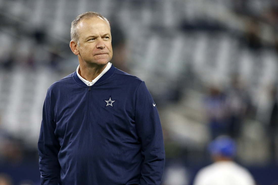 Sep 16, 2018; Arlington, TX, USA; Dallas Cowboys offensive coordinator Scott Linehan on the field before the game against the New York Giants at AT&T Stadium. Mandatory Credit: Tim Heitman-USA TODAY Sports