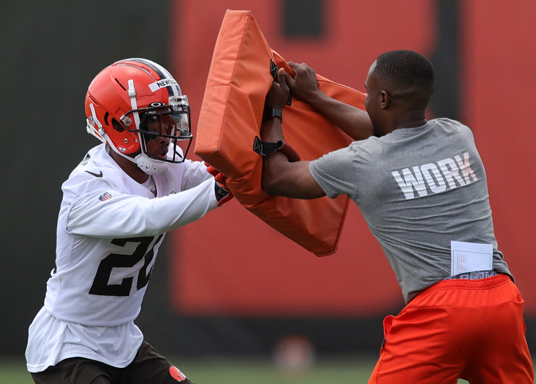 Cleveland Browns cornerback Greg Newsome II participates in drills during an NFL football practice at the team's training facility, Tuesday, June 15, 2021, in Berea, Ohio. [Jeff Lange / Akron Beacon Journal]  Browns 4
