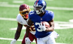 New York Giants running back Dion Lewis (33) rushes against the Washington Football Team at MetLife Stadium on Sunday, Oct. 18, 2020, in East Rutherford.Nyg Vs Was