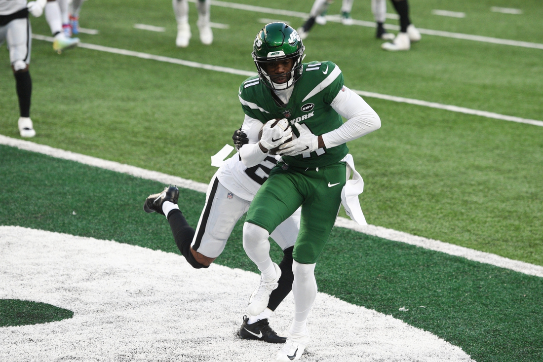 New York Jets wide receiver Denzel Mims (11) makes a catch for a two-point conversion in the second half. The Jets lose to the Raiders, 31-28, at MetLife Stadium on Sunday, Dec. 6, 2020, in East Rutherford.  Nyj Vs Lv