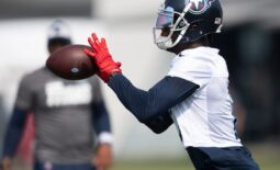 Tennessee Titans wide receiver Julio Jones (2) pulls in a catch during a training camp practice at Saint Thomas Sports Park Monday, Aug. 2, 2021 in Nashville, Tenn.  Nas 0802 Titans Camp 030