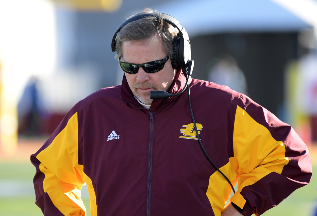 Dec 21, 2019; Albuquerque, New Mexico, USA; Central Michigan Chippewas head coach Jim McElwain reacts in the fourth quarter against the San Diego State Aztecs during the New Mexico Bowl at Dreamstyle Stadium. San Diego State defeated Central Michigan 48-11.  Mandatory Credit: Kirby Lee-USA TODAY Sports