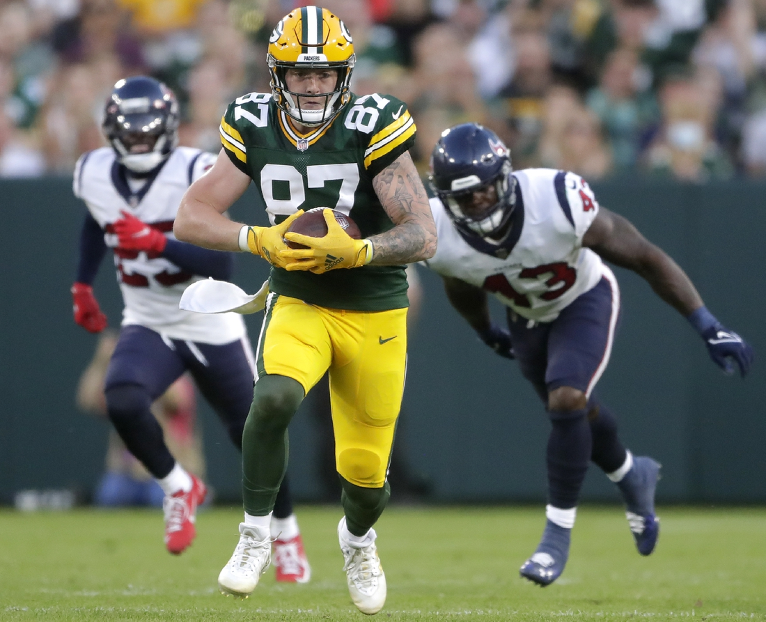 Aug 14, 2021; Green Bay, WI, USA;   Green Bay Packers tight end Jace Sternberger (87) runs following a catch against the Houston Texans during their preseason football game on Saturday, August 14, 2021, at Lambeau Field in Green Bay, Wis.  Mandatory Credit: William Glasheen-USA TODAY Sports