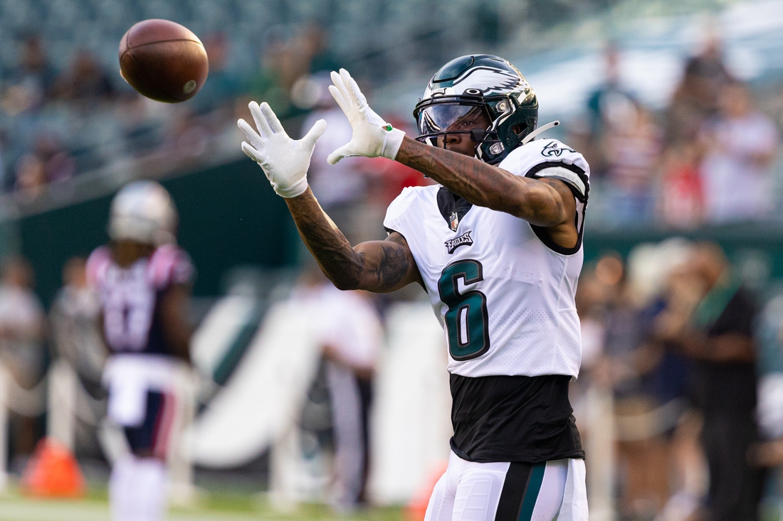 Aug 19, 2021; Philadelphia, Pennsylvania, USA; Philadelphia Eagles wide receiver DeVonta Smith (6) warms up before action against the New England Patriots at Lincoln Financial Field. Mandatory Credit: Bill Streicher-USA TODAY Sports