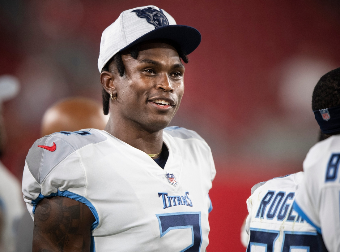 Tennessee Titans wide receiver Julio Jones (2) walks the sideline during an NFL preseason game against the Tampa Bay Buccaneers at Raymond James Stadium Saturday, Aug. 21, 2021 in Tampa, Fla.  Nas Titans Bucs 021