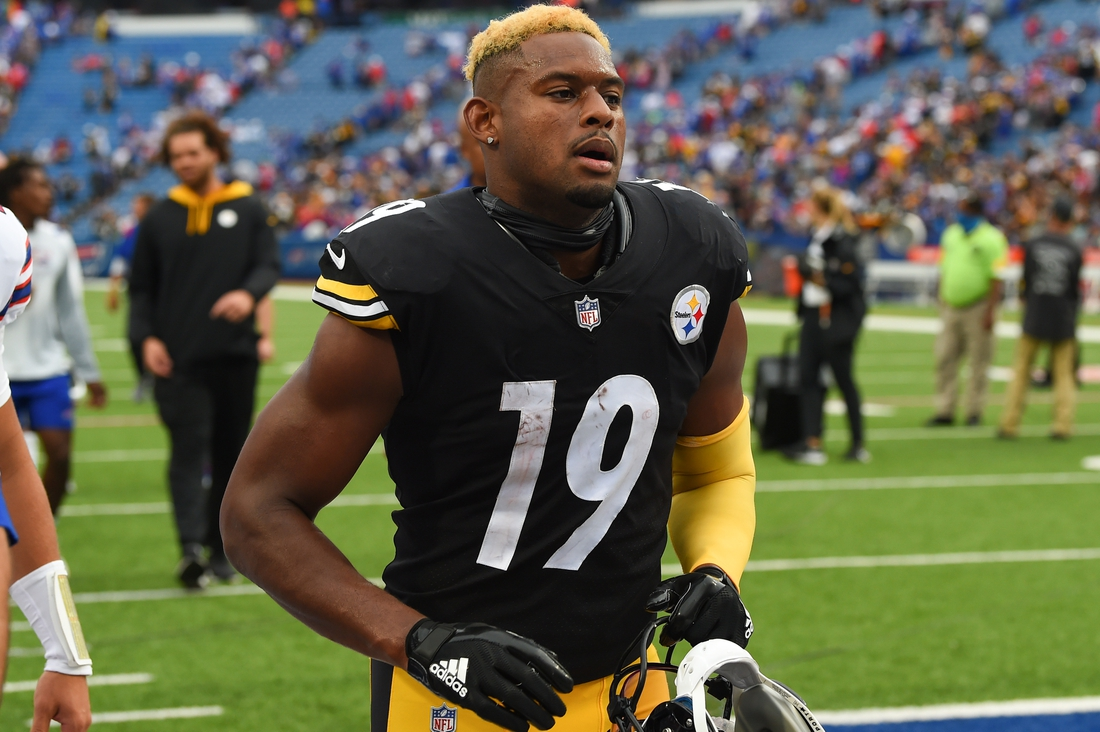 Sep 12, 2021; Orchard Park, New York, USA; Pittsburgh Steelers wide receiver JuJu Smith-Schuster (19) jogs off the field following the game against the Buffalo Bills at Highmark Stadium. Mandatory Credit: Rich Barnes-USA TODAY Sports