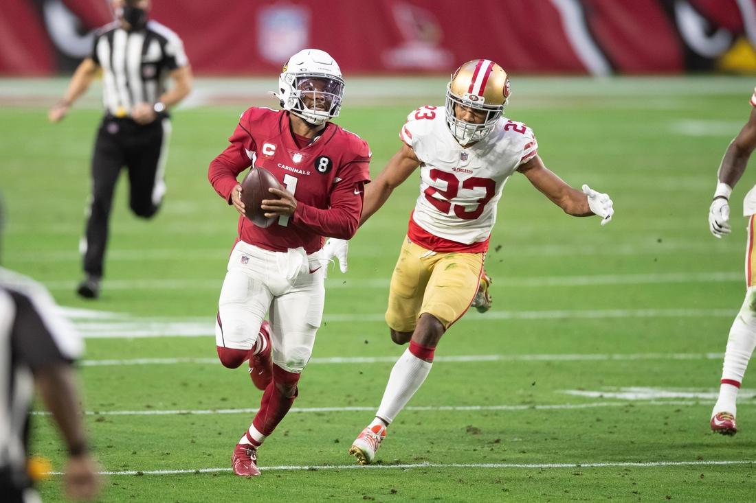 Dec 26, 2020; Glendale, Arizona, USA; Arizona Cardinals quarterback Kyler Murray (1) runs against the San Francisco 49ers in the fourth quarter at State Farm Stadium. Mandatory Credit: Billy Hardiman-USA TODAY Sports