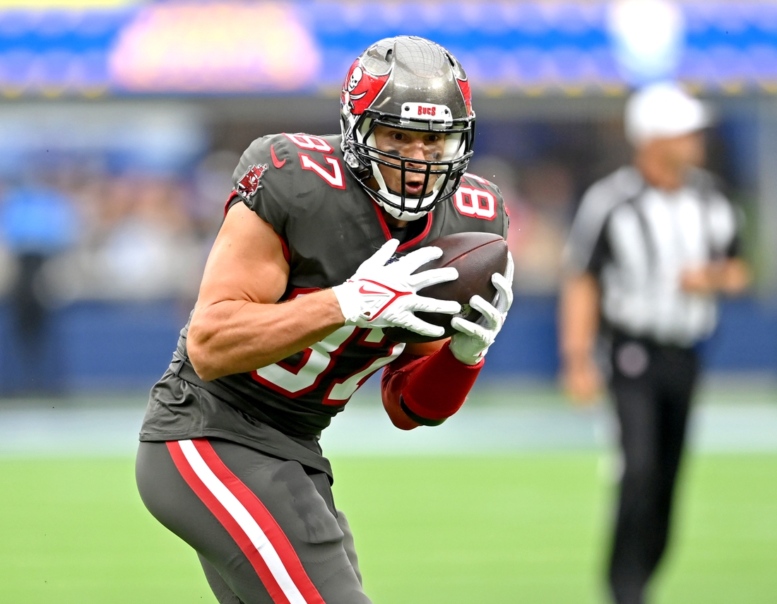 Sep 26, 2021; Inglewood, California, USA;  Tampa Bay Buccaneers tight end Rob Gronkowski (87) completes a pass play and runs for a first down in the first half of the game against the Los Angeles Rams at SoFi Stadium. Mandatory Credit: Jayne Kamin-Oncea-USA TODAY Sports