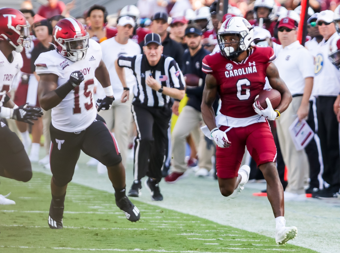 Oct 2, 2021; Columbia, South Carolina, USA; South Carolina Gamecocks wide receiver Josh Vann (6) runs after the catch against the Troy Trojans in the second half at Williams-Brice Stadium. Mandatory Credit: Jeff Blake-USA TODAY Sports