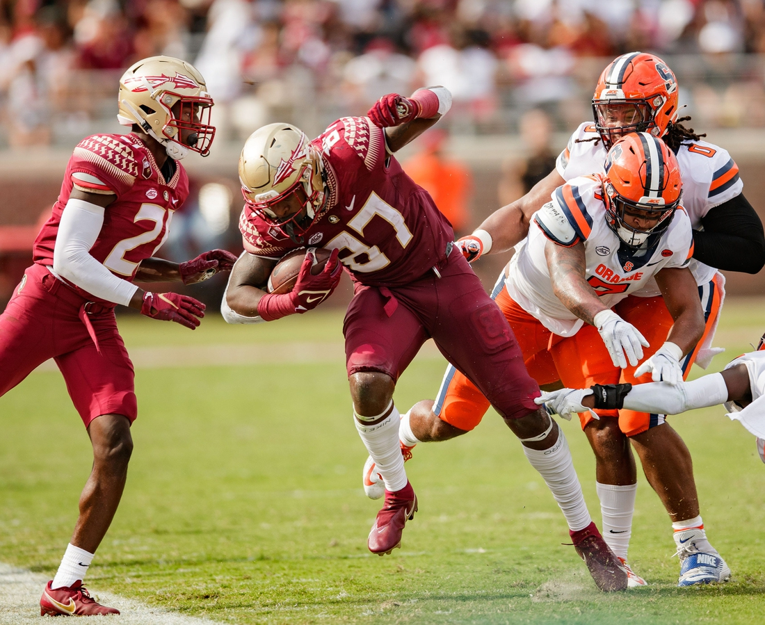 Florida State Seminoles tight end Camren McDonald (87) gets pushed out of bounds as he runs down the field. The Florida State Seminoles lead the Syracuse Orange 16-13 at the half Saturday, Oct. 2, 2021.  Fsu V Syracuse First Half009